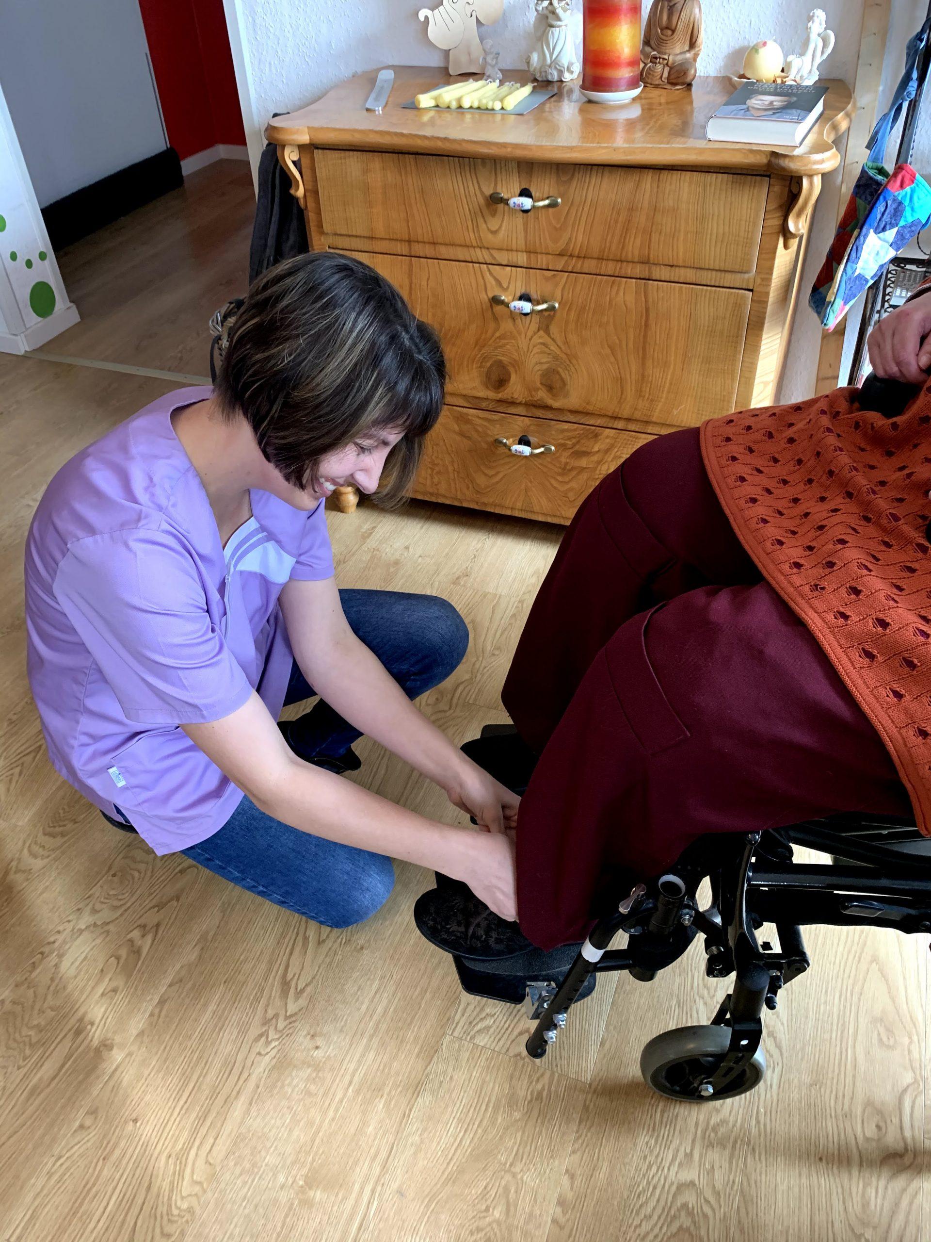 Elena Mekler mit Patientin