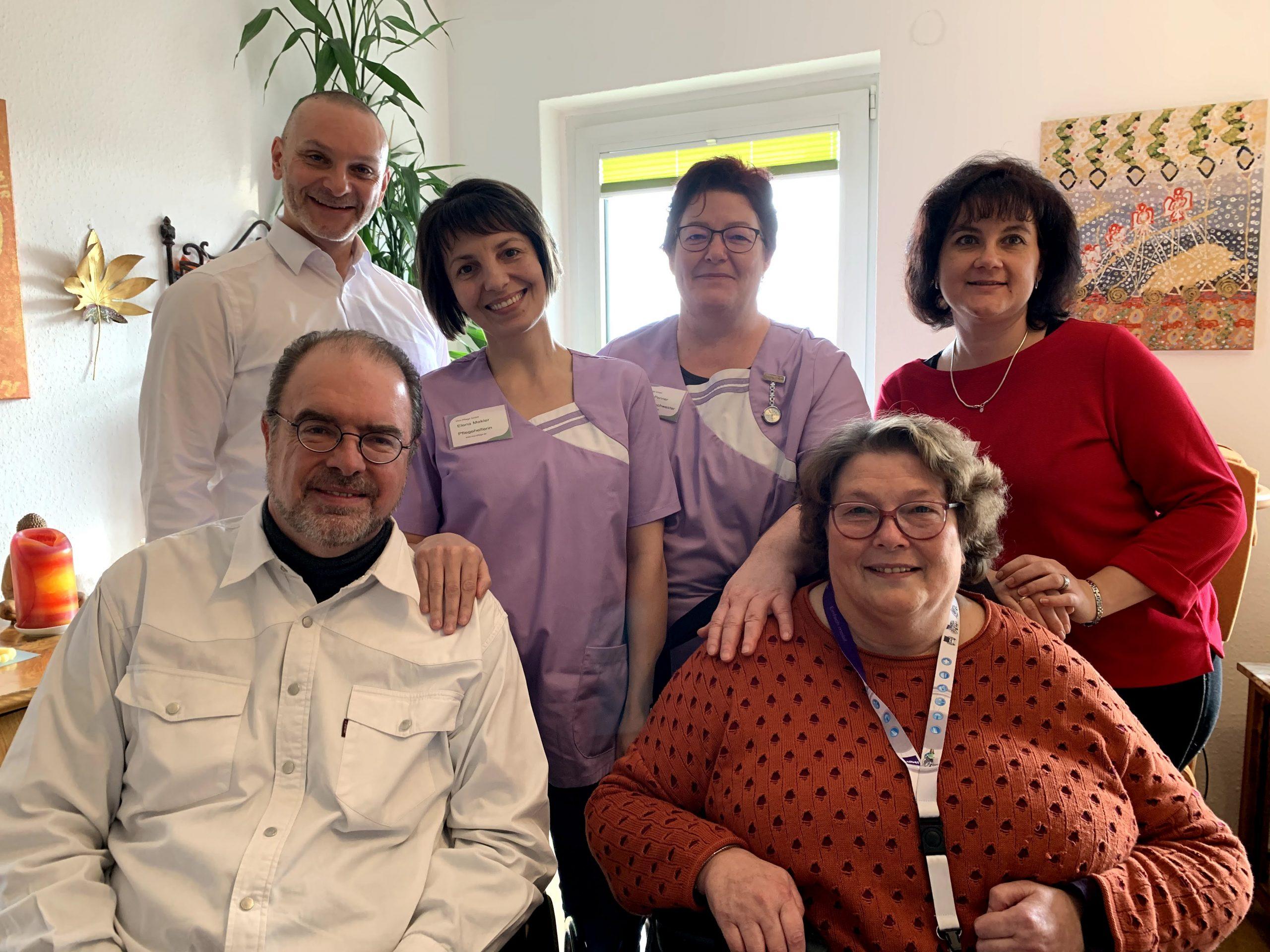 Mitarbeiter und GF bei Patienten